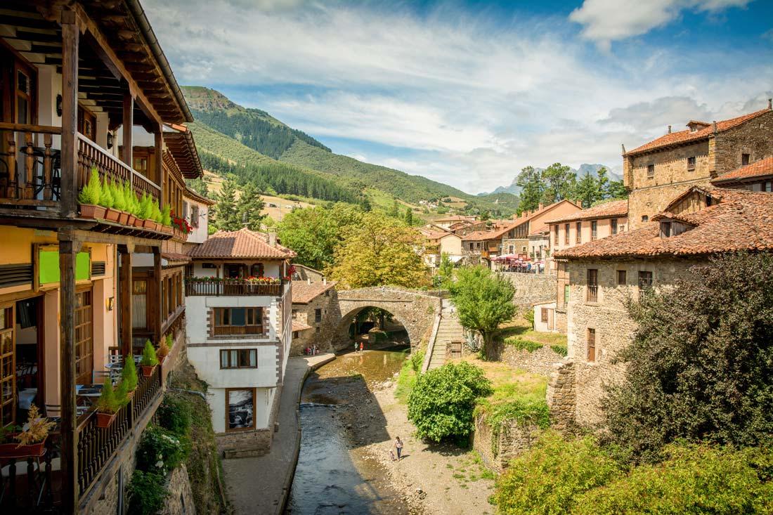 Foto pueblo turístico rural Potes, Asturias